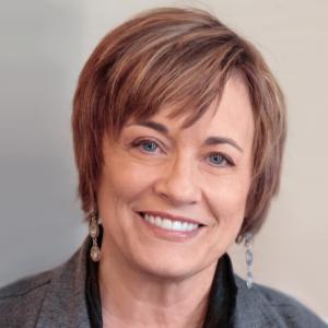 Barbara Wyer MMFT Headshot